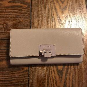 Michael kors saffiano womens wallet